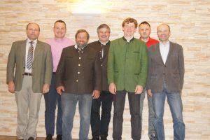 TZ Dir. DI Vuk und der wiedergewählte Vorstand der Fleischrinder Austria